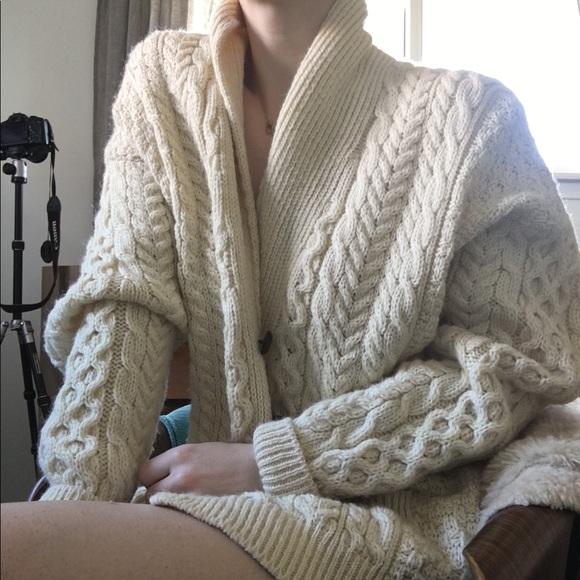 Vintage cable knit cardigan sweater. M 5c32458303087c51c5fdb1ab 3bb1a16ea